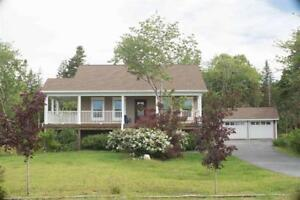Beautiful large bungalow with detached double garage