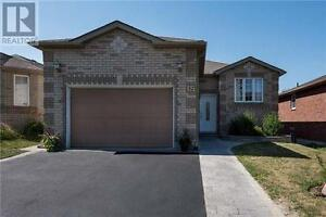 32 Snowy Owl Cres Barrie Ontario Beautiful House for sale!