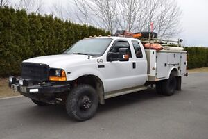 2001 Ford f350 4x4 superduty service truck
