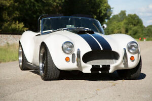 NEW 1:24 die cast 1965 Shelby Cobra 427 p/u only in Smithville
