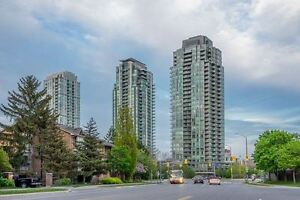Bright Spacious One Bedroom Condo With A Large Den