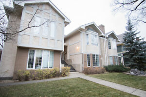2 Bed/2 Bath Townhouse Condo in Beautiful Crescentwood