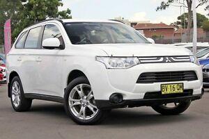 2013 Mitsubishi Outlander ZJ MY13 ES 2WD White 6 Speed Constant Variable Wagon Blacktown Blacktown Area Preview