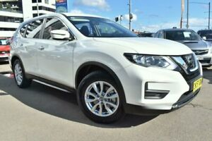 2017 Nissan X-Trail T32 ST Wagon 7st 5dr X-tronic 7sp 2WD 2.5i White Constant Variable Wagon
