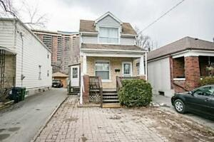 Totally Reno'd Detached 3 Bed House, 2 Parking Spots