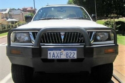 1999 Mitsubishi Challenger PA (4x4) Marble White 5 Speed Manual 4x4 Wagon