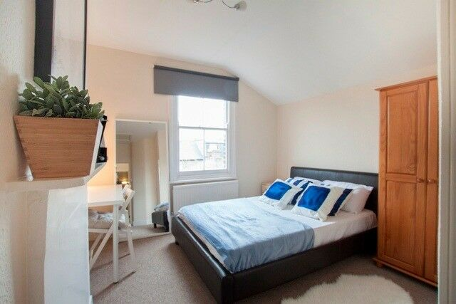 ***** LOVELY DOUBLE ROOM IN EAST PUTNEY - SINGLE USE *****
