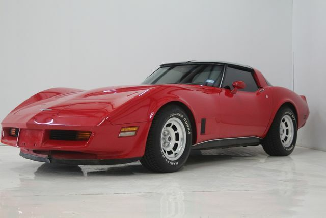 1980 Red Chevrolet Corvette   | C3 Corvette Photo 1