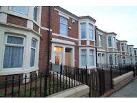 3 bedroom flat in Hugh Gardens, Benwell, Newcastle Upon Tyne, NE4