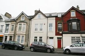 8 bedroom house in Heaton Road, Heaton, Newcastle Upon Tyne, NE6