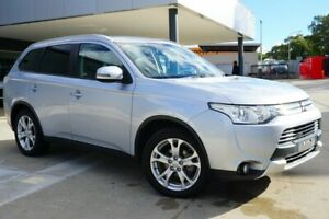2014 Mitsubishi Outlander ZJ MY14.5 LS 2WD Silver 6 Speed Constant Variable Wagon Pearce Woden Valley Preview