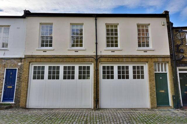Charming Mews NW8 Property on Borders Little Venice W9, 2 Double Beds, 2 Baths, Wood Floors, Garage