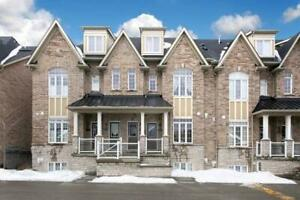 In The Heart Of Ajax!2 Bed Condo Townhouse! For Sale!