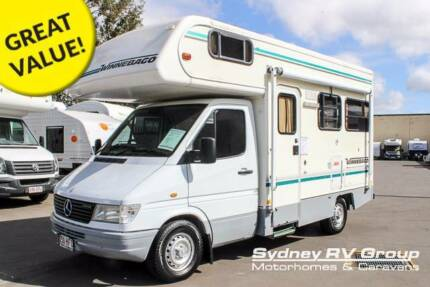 1999 Winnebago 4 Berth RV with Lots of Storage - U3531