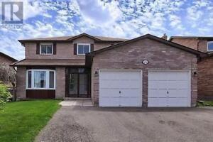4 Bedroom House for Rent in Newmarket Close to Upper Canada Mall