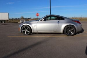 2003 Nissan 350Z Touring Coupe (2 door)