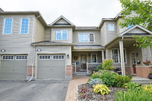 3 BED, 2 BATH BEAUTIFUL TOWNHOME IN DESIRABLE FAIRWINDS!