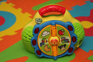 Leap Frog Bilingual Learn & Groove First Words Radio
