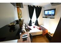 LOVELY room in E14 Near Canary Wharf mins to Bank Oxford Circus Zone 2. Bills inc LCD TV Cleaner