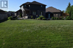 House for Sale - 4+1 Bedroom on Premium Lot London Ontario image 3