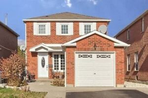 Fully Updated 3 Bed 4 Bath Detached Erin Mills Home
