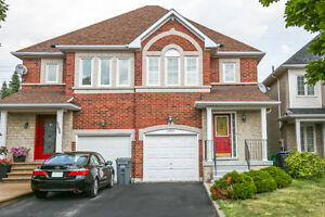Gorgeous 3bdr- Semi Fern Brook Home in Heart of Mississauga!!