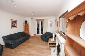 Fabulous central 4 bedroom holiday apartment, sleeps 8
