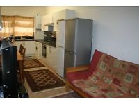3 Double Bed Rooms and 1 Ensuite Room available for rent