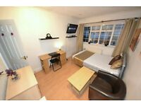 Central London Zone1 Double. Close to Tower Bridge TV LCD In Clean And Quiet House. WiFi Cleaner