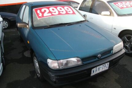 1995 Nissan Pulsar Solaire Dark Green 4 Speed Automatic Hatchback Briar Hill Banyule Area Preview