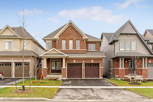 Beautiful House for rent in Oshawa near UOIT available from July