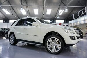 QUICK SALE! AMAZING CONDITION ML 350 2009 *SPORTS MODEL*