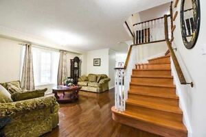 Brick Detached House for sale in Brampton D-103