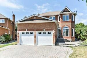Spacious Finished bsmt/4Br+4Bath/Detached Home//Richmond Hill
