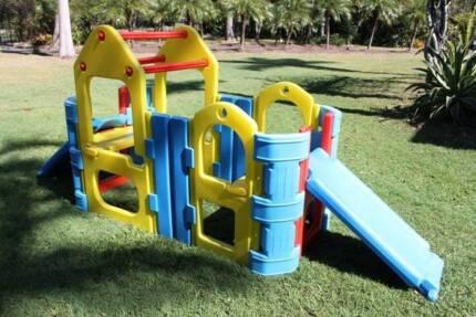 Plastic Maxi Climber / Play Gym with 2 Slides, Sprinkler Bar