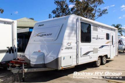 CU1064 Jayco Starcraft Great Family Van Layout With Triple Bunks
