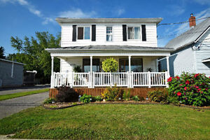 4 BED, 2 BATH DETACHED HOME FOR SALE IN ST-ISIDORE!