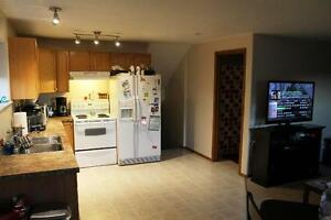 #3654 - 2 Bed Lower Level in Mission $1100 Utilities Included