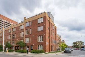 3+1 Bedroom Condo Townhouse In Dufferin Grove