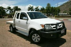 2006 Toyota Hilux GGN25R MY05 SR5 Xtra Cab White 5 Speed Manual Utility Townsville Townsville City Preview