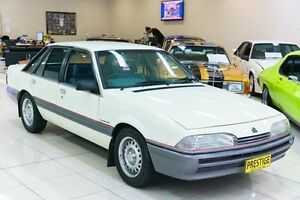 1986 Holden Commodore VL Executive White Automatic Sedan Carss Park Kogarah Area Preview