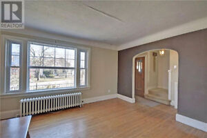 Beautiful 4 bedroom house available now! Kitchener / Waterloo Kitchener Area image 2