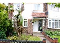 5 Bedroom Property To Let - SPEEDY1134