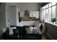 Stunning 2 bedroom furnished apartment, minutes from bow rd station, call 07960203393