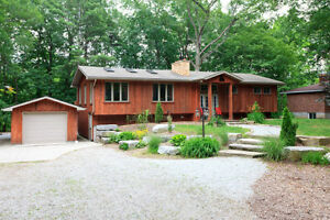 PET FRIENDLY in Southcott Pines, 4 Bedroom, Wifi, AC, BBQ, Deck