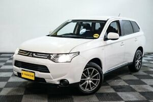 2013 Mitsubishi Outlander ZJ MY13 ES 2WD White 6 Speed Constant Variable Wagon Edgewater Joondalup Area Preview