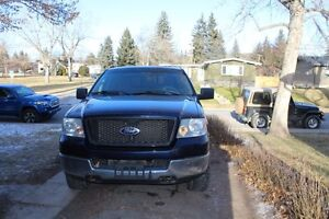 2005 Ford F-150 SuperCrew Pickup Truck