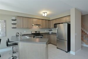 LOVELY 3BR Townhome! Finished Basement! Courtice! NOV/DEC 1