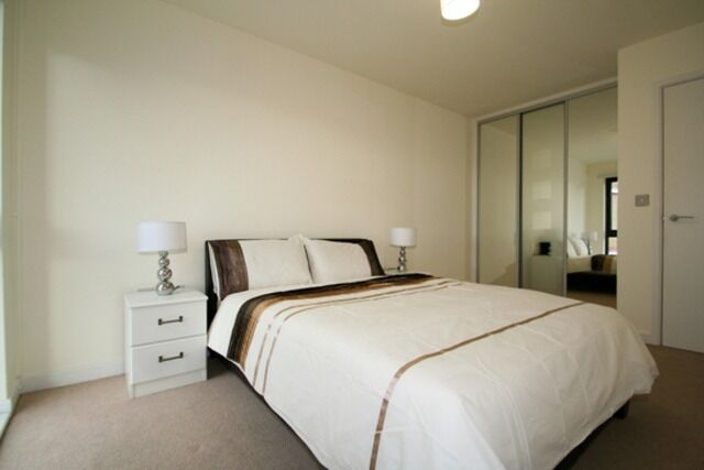 Stunning 2 Bed 2 Bath Flat to Rent in Icona Point - Short Walk to Westfield - Call Now for Viewings