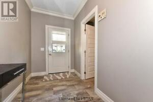 New Townhouse next to Costco, minutes to Western London Ontario image 7